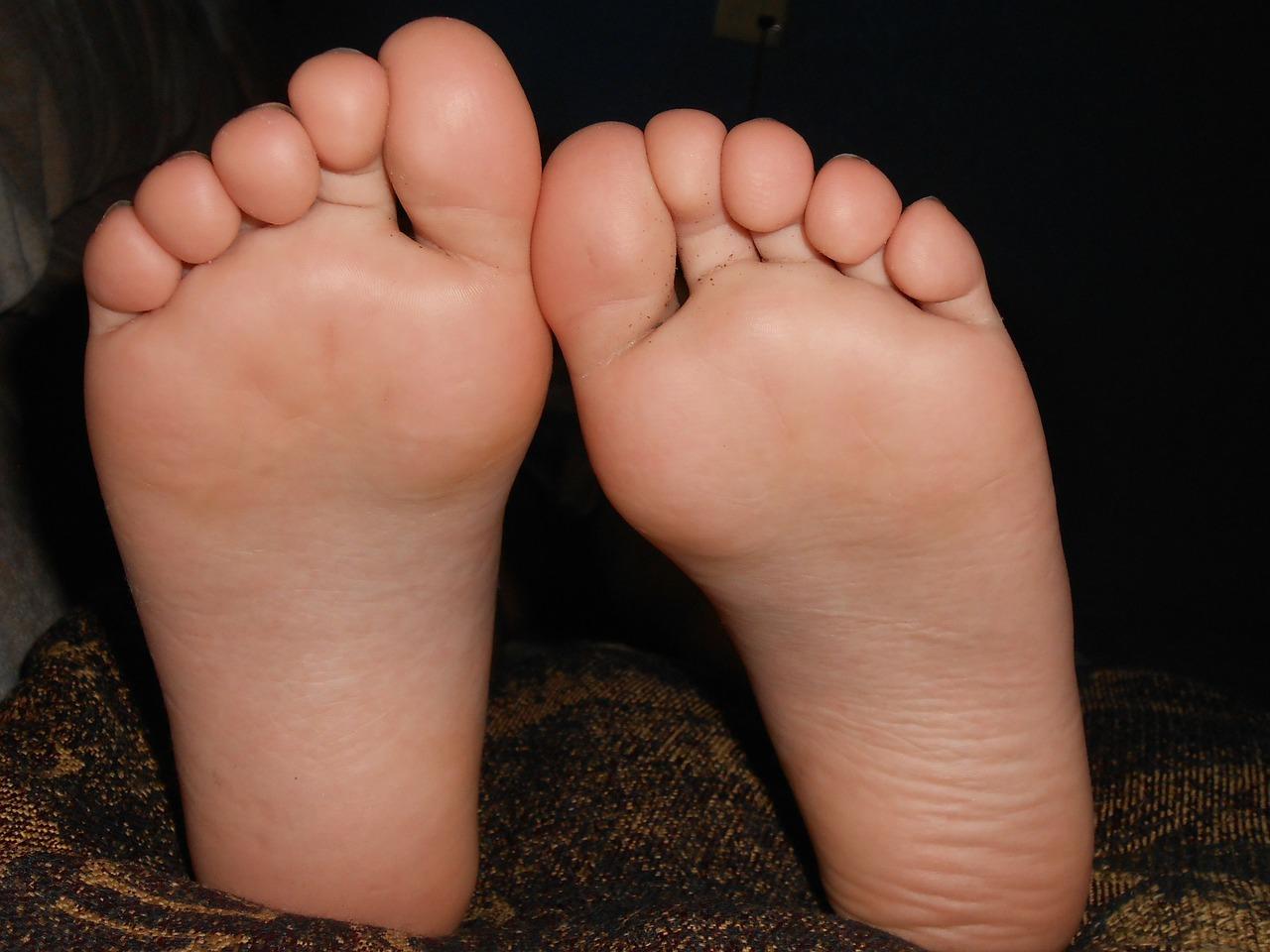 足 の 皮 が 裏 むける 子供